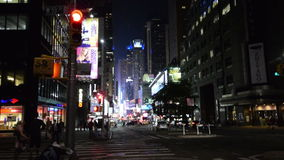 New York City nachts nahe Times Square stock video footage