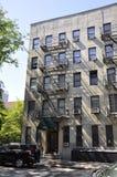 New York City 2nd Juli: Historisk byggnadlägenheter i Manhattan från New York City i Förenta staterna Arkivbilder
