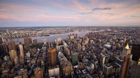 New York City no por do sol Fotografia de Stock Royalty Free