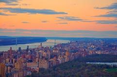 New York City no por do sol Fotos de Stock Royalty Free