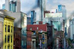 New York City, NY/EUA - 08/01/2018: Construções ao longo de Broadway do leste, no distrito do bairro chinês de New York City, na  imagens de stock