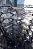 New York City, NY, EUA - 22 DE MAIO DE 2019: A embarca??o, Hudson Yards Staircase projetou pelo arquiteto Thomas Heatherwick Home foto de stock royalty free