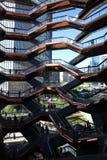 New York City, NY, EUA - 22 DE MAIO DE 2019: A embarca??o, Hudson Yards Staircase projetou pelo arquiteto Thomas Heatherwick Home fotografia de stock