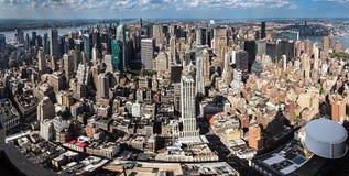 New York City, NY/USA - circa im Juli 2015: Panorama der Stadtmitte und des Upper Manhattan, New York City Stockbilder