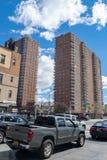New York City NY/USA - 04/09/2019: NYC-byggprojekt p? den 145. gatan och Malcolm X boulevarden i Harlem arkivfoto