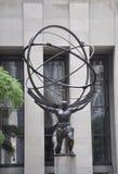 New York City, o 2 de julho: Centro de Rockefeller com detalhes da estátua do atlas em Manhattan de New York City no Estados Unid Foto de Stock Royalty Free