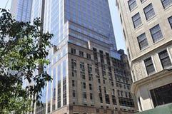 New York City, o 2 de julho: Detalhes dos arranha-céus da Quinta Avenida em Manhattan de New York City no Estados Unidos Fotos de Stock