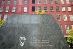New York City: Opinião africana da rua da terra de enterro Fotos de Stock Royalty Free