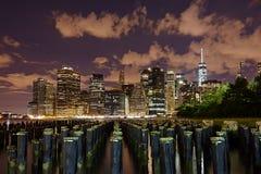 New York City panorama på natten manhattan natt Fotografering för Bildbyråer