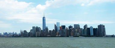 New York City panorama som är panorama- Fotografering för Bildbyråer