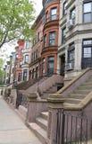 New York City rödbruna sandstenar på den historiska utsikthöjdgrannskapen royaltyfri foto