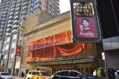 New York City 3rd Juli: Walter Kerr Theatre i midtownen Manhattan från New York City i Förenta staterna arkivfoton