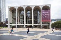 New York City 12 september 2015: folket går nära storstads- Royaltyfria Foton