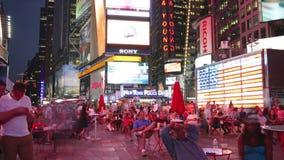 New York City - september 16: tider kvadrerar broadway det berömda området som symbol av Förenta staterna September 16, 2014 i ma lager videofilmer