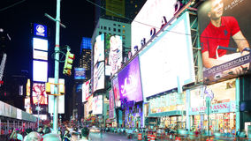 New York City - september 16: tider kvadrerar broadway det berömda stället som symbol av Förenta staterna September 16, 2014 i ma stock video