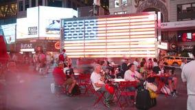New York City - 16 septembre : théâtres de Broadway de Times Square et LED de faire de la publicité 16 septembre 2014 à Manhattan clips vidéos