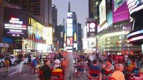 New York City - 16 septembre : théâtres de Broadway de Times Square et signes menés animés 16 septembre 2014 à Manhattan, New Yor banque de vidéos