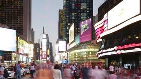 New York City - 16 septembre : Times Square Broadway avec le trafic et des messages publicitaires Septembre 16,2014 à Manhattan,  banque de vidéos