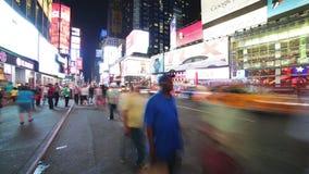 New York City - 16 septembre : Times Square Broadway avec le trafic et des messages publicitaires 16 septembre 2014 à Manhattan,  banque de vidéos