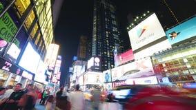New York City - 16 septembre : Times Square Broadway avec le trafic et des messages publicitaires 16 septembre 2014 à Manhattan,  clips vidéos