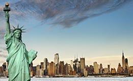 New york city skyline over hudson river Royalty Free Stock Images