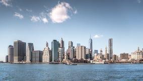 New York City skyskrapor, abstrakt stads- bakgrund Arkivbild
