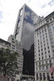 New York City 1st Juli: Den Solow byggnaden från midtownen Manhattan i New York City från Förenta staterna arkivfoton