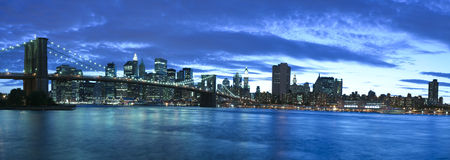 New York City und Brooklyn-Brücke Lizenzfreies Stockfoto