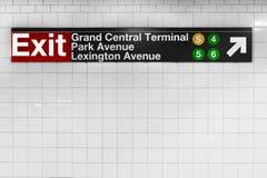 New York City undertecknar den storslagna centralen Arkivfoto
