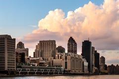 New York City/USA - 27. Juli 2018: Oberleder-Ostseite Manhattan konkurrieren stockfotografie