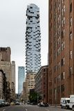 New York City/USA - JUNI 27 2018: Skyskrapa för 56 Leonard Street Arkivbilder