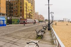 New York City USA - Maj 02, 2016: Coney Island strandpromenad, Brighton strand, Brooklyn, USA Arkivfoto