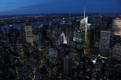 New York City - väldetillståndssikt på natten Arkivfoto