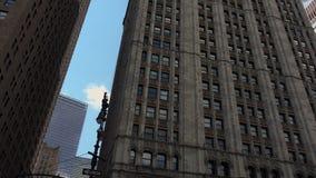 New York City, vers 2017 : Le bâtiment de Woolworth, Broadway, à New York City, ultrahd4k, en temps réel clips vidéos