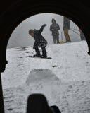 1/23/16 New York City: Vinterstormen Jonas kommer med snowboarders till parkera Royaltyfri Bild