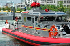 New- York Cityfeuer-Boot an Pier 6 Stockbild