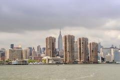 New York cityscape från Hudson River Arkivfoto