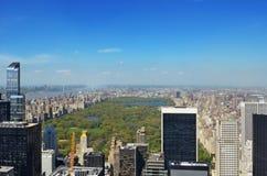 New- York Cityskyline, -central Park und -wolkenkratzer von Manhattan-Vogelperspektive lizenzfreies stockbild
