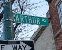 New- York Citystraßenschild für Arthur Avenue stockfotografie