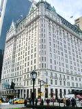 NEW YORK - 3 DE DEZEMBRO: Hotel legendário da plaza na 5a avenida, NYC Imagem de Stock