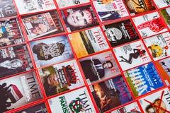 New York - 7 de março de 2017: Time Magazine o 7 de março em New York, fotografia de stock