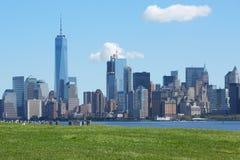 NEW YORK - 12 DE SETEMBRO: Skyline de New York City com towe da liberdade Foto de Stock