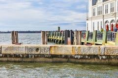 New York, de V Amerikaans Koopvaardijmariners memorial in Batterijpark stock afbeelding