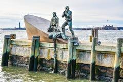 New York, de V Amerikaans Koopvaardijmariners memorial in Batterijpark royalty-vrije stock afbeelding