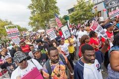 NEW YORK, DE V.S. - 23 AUGUSTUS, 2014: Duizenden maart in Staten Islan Stock Foto's