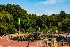 NEW YORK, de V.S. - 31 Augustus, 2018: Panoramamening van Bathesda-Fontein in Central Park New York royalty-vrije stock foto's