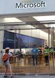 New York, de V.S. - 9 Juni, 2018: Microsoft-opslag op Fifth Avenue binnen stock afbeelding