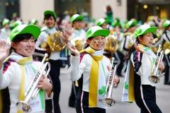 NEW YORK, DE V.S. - 17 MAART, 2015: De jaarlijkse St Patrick Dagparade langs vijfde Weg in New York Royalty-vrije Stock Afbeelding