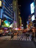 New York em a noite Fotos de Stock Royalty Free