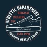 New York, espadrilles - la typographie grunge pour la conception vêtx, T-shirt avec les chaussures sportives Graphiques pour le p Photos stock